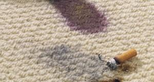 Brandloch im Teppich entfernen - So einfach geht's
