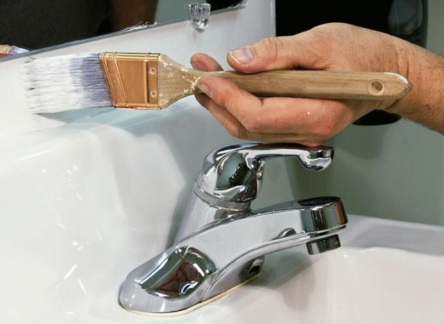 Fliesen im Badezimmer streichen – Schritt für Schritt Anleitung