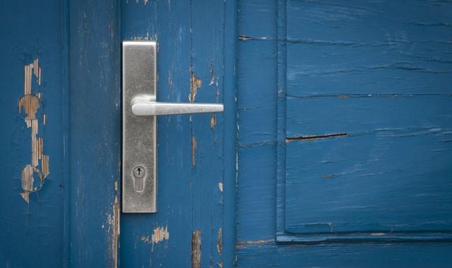 Bekannt Haustür aus Holz streichen - Schritt für Schritt Anleitung NW17