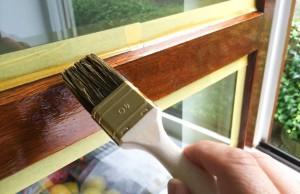 Holzfenster streichen - Anleitung in 7 Arbeitsschritten