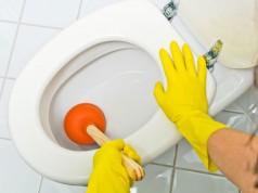 WC verstopft – Anleitung um Verstopfungen zu lösen