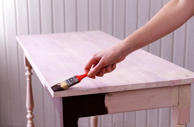 Holztisch abschleifen neu beizen und lackieren