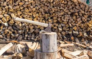 Brennholz zubereiten und stapeln - So machen Sie es richtig