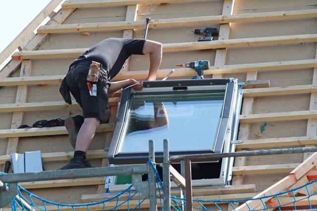 Dachflächenfenster einbauen - Schritt für Schritt erklärt