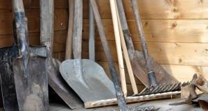 4 Tipps: Gartengeräte richtig lagern