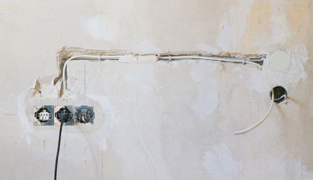 stromleitungen fachgerecht verlegen so wird 39 s gemacht. Black Bedroom Furniture Sets. Home Design Ideas
