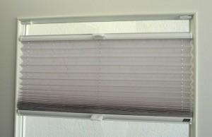 Plissee mit Klemmträgern am Fensterrahmen montieren - Schritt für Schritt erklärt