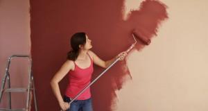 Wand oder Tapete mit Dispersionsfarbe streichen: 5 Tipps
