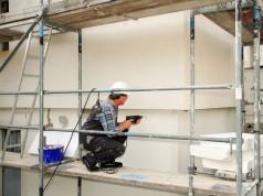 Fassade streichen: 2 Methoden die funktionieren