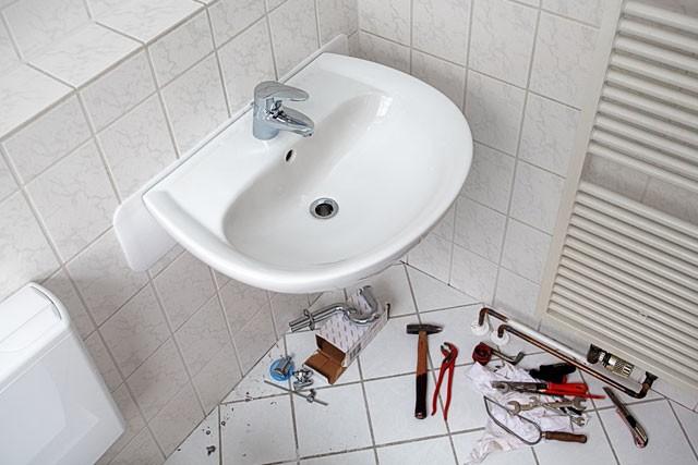 Waschbecken montieren - So wird\'s gemacht - Heimwerkertricks.net