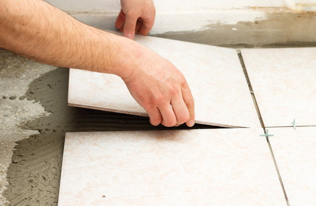 Triste Betonflächen fliesen: Materialanforderungen und Umsetzungstipps