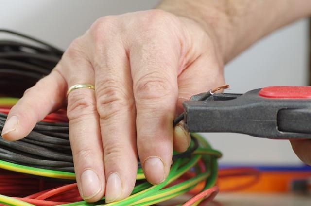 Leitungen abisolieren – So machen Sie es richtig!