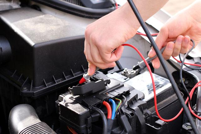 Auto Wintercheck - Baterrie prüfen