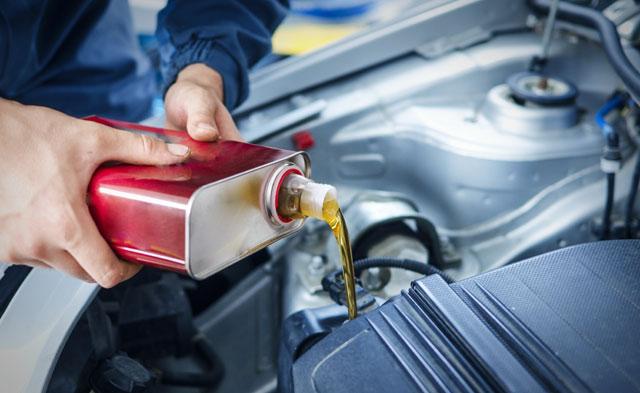 Auto Wintercheck - Öl nachfüllen / wechseln