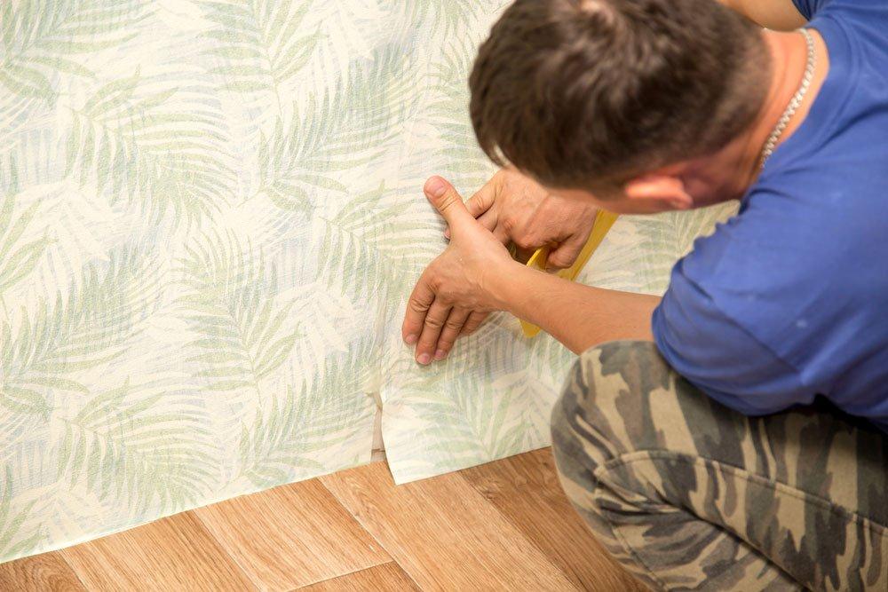 blasen unter der tapete entfernen anleitung tipps. Black Bedroom Furniture Sets. Home Design Ideas