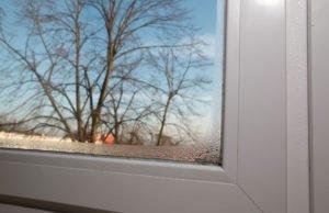 Feuchte Fensterscheiben im Winter