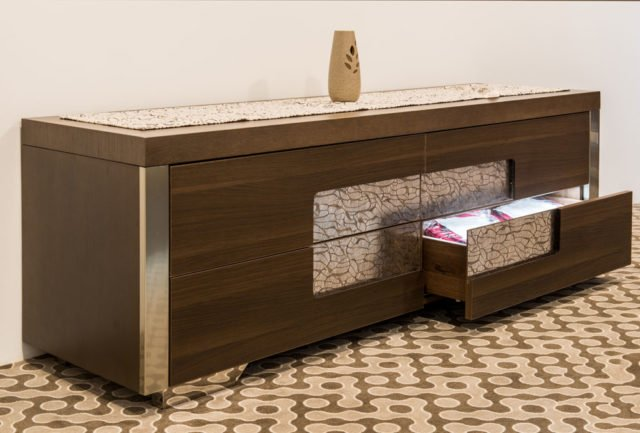 wie kann ich eine wand mit stoff bespannen ostseesuche com. Black Bedroom Furniture Sets. Home Design Ideas