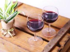 Tisch aus Weinkisten