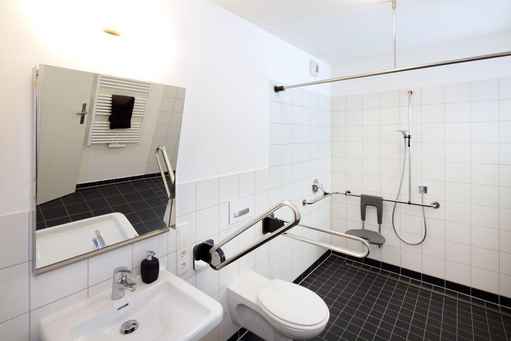 barrierefreies bad planen das sollten sie wissen. Black Bedroom Furniture Sets. Home Design Ideas