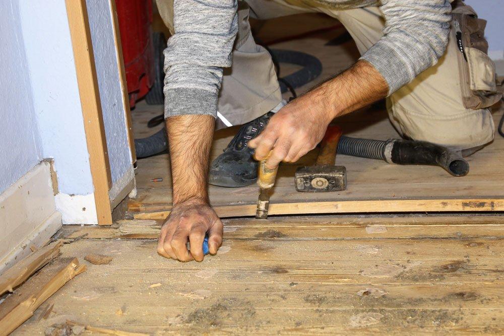 holzboden abschleifen und restaurieren anleitung tipps. Black Bedroom Furniture Sets. Home Design Ideas