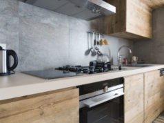 Küchenrückwand montieren